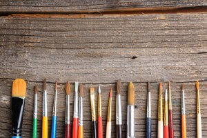 artist.paint brushes lined up